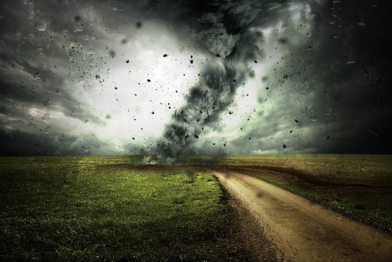 突然の竜巻や突風にどう対応するか